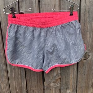 UNDER ARMOUR athletic shorts. Sz S